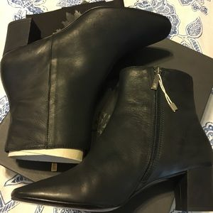Nostrasantissima Shoes - Nostrasantissima Luci Leather Ankle Bootie